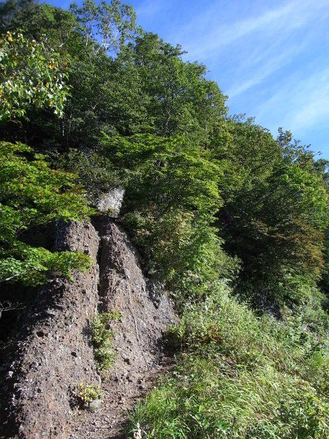 戸隠山(西岳・本院岳~P1尾根) 登山口コースガイド 見晴しの良い鎖場【登山口ナビ】