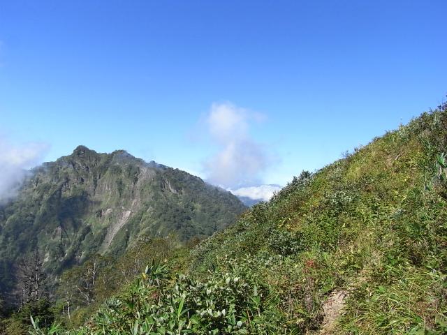 戸隠山(西岳・本院岳~P1尾根) 登山口コースガイド 八方睨からの稜線ルート【登山口ナビ】