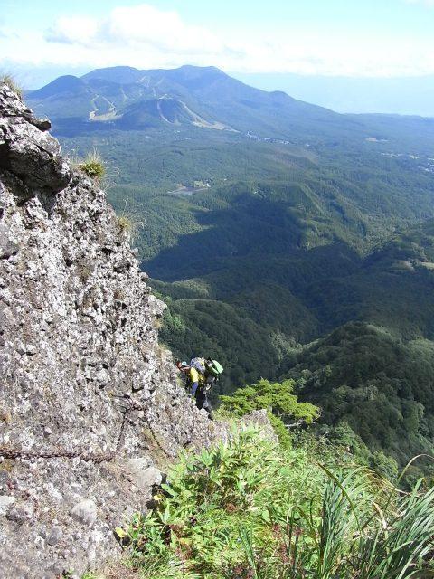 戸隠山(西岳・本院岳~P1尾根) 登山口コースガイド 無念の峰から下る鎖場【登山口ナビ】