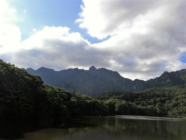 戸隠山(西岳・本院岳~P1尾根) 登山口コースガイド 鏡池【登山口ナビ】