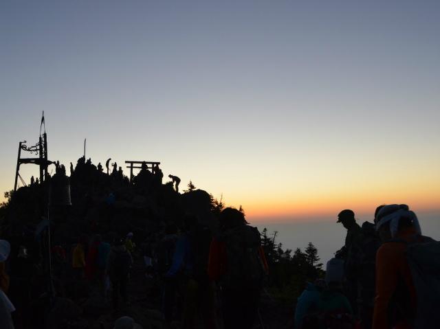 日光男体山登拝大祭(7月31日~8月7日)山頂【登山口ナビ】