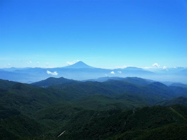 金峰山・五丈石(大弛峠~朝日岳)登山口コースガイド 五丈石からの富士山の展望【登山口ナビ】