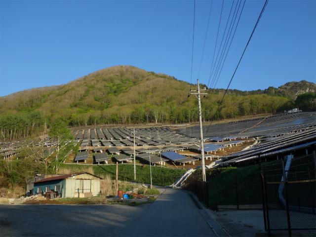 乾徳山(大平高原~道満尾根)登山口コースガイド 大平高原ソーラー発電【登山口ナビ】