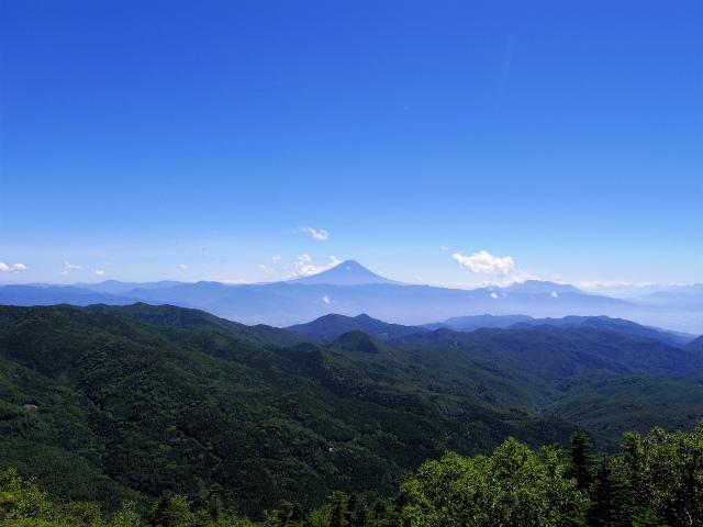 金峰山・五丈石(大弛峠~朝日岳)登山口コースガイド 大ナギのガレ場から富士山の展望【登山口ナビ】