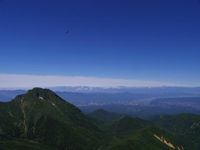 八ヶ岳・横岳(県界尾根)登山口コースガイド 三叉峰山頂からの阿弥陀岳と中央アルプス【登山口ナビ】