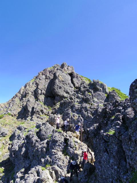 八ヶ岳・赤岳(南沢~文三郎尾根) 登山口コースガイド 山頂直下【登山口ナビ】