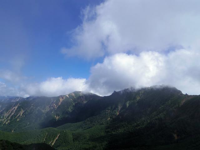 八ヶ岳・阿弥陀岳(立場岳~南陵尾根)登山口コースガイド 阿弥陀岳山頂から横岳・硫黄岳の眺望【登山口ナビ】