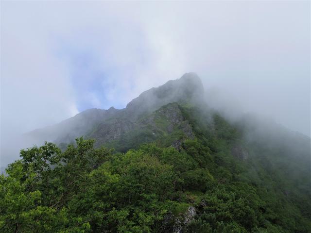 八ヶ岳・阿弥陀岳(立場岳~南陵尾根)登山口コースガイド 南陵尾根P2峰とP3峰【登山口ナビ】