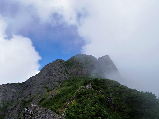 八ヶ岳・阿弥陀岳(立場岳~南陵尾根)登山口コースガイド 南陵尾根P4峰と阿弥陀岳山頂【登山口ナビ】