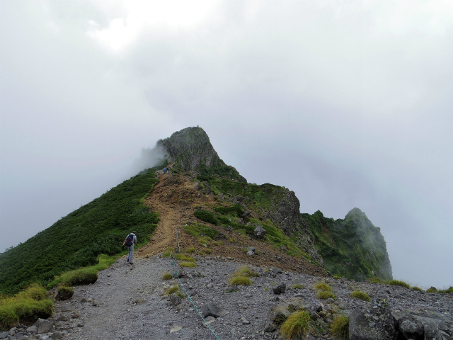 八ヶ岳・横岳(桜平~硫黄岳~奥ノ院) 登山口コースガイド 横岳の岩稜【登山口ナビ】