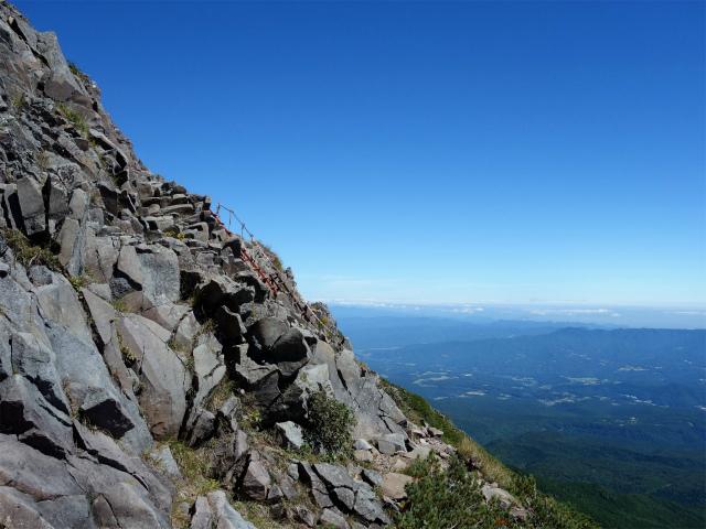 八ヶ岳・横岳(県界尾根)登山口コースガイド 三叉峰手前の梯子【登山口ナビ】