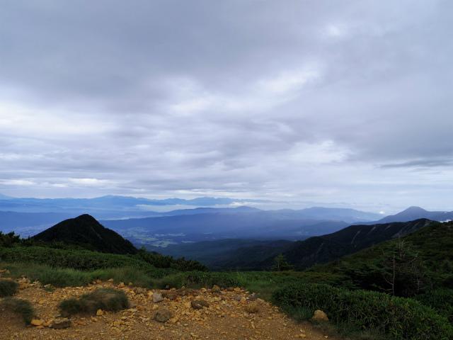 八ヶ岳・横岳(桜平~硫黄岳~奥ノ院) 登山口コースガイド 赤岩の頭鞍部から北アルプスの展望【登山口ナビ】