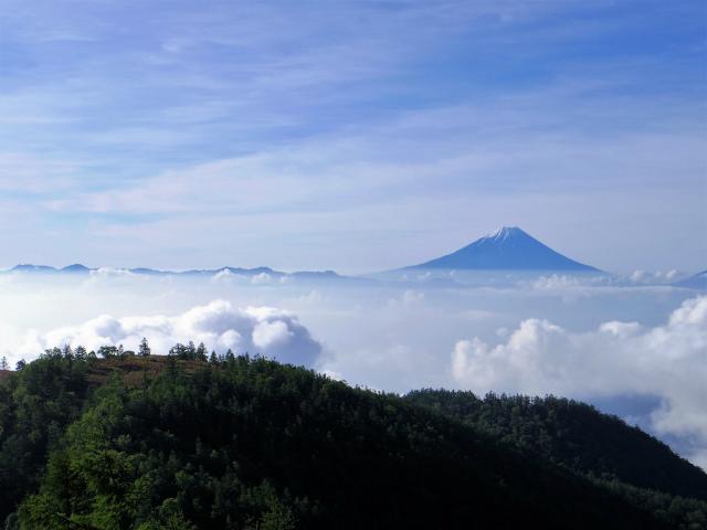 辻山(甘利山~千頭星山)登山口コースガイド 甘利山と富士山【登山口ナビ】