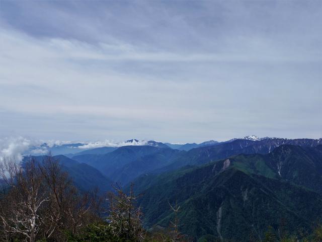 辻山(甘利山~千頭星山)登山口コースガイド 辻山山頂からの南アルプス【登山口ナビ】