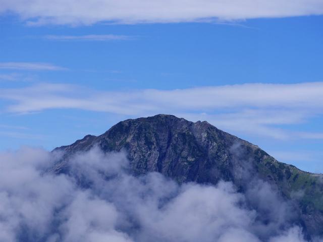 辻山(甘利山~千頭星山)登山口コースガイド 辻山山頂からの北岳【登山口ナビ】