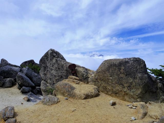 鳳凰三山(夜叉神峠~砂払岳)登山口コースガイド 2587m峰【登山口ナビ】