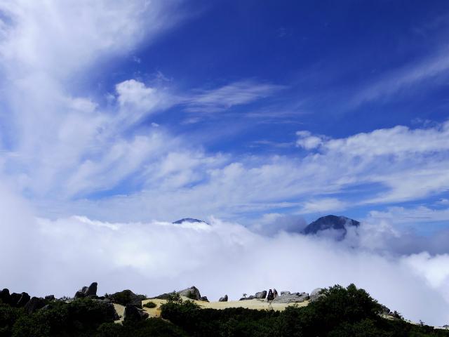 鳳凰三山(広河原~白鳳峠・高嶺)登山口コースガイド 薬師岳山頂からの白峰三山の展望【登山口ナビ】