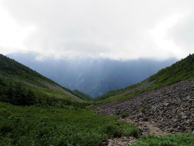 鳳凰三山(広河原~白鳳峠・高嶺)登山口コースガイド 白鳳峠のゴーロからの北岳【登山口ナビ】