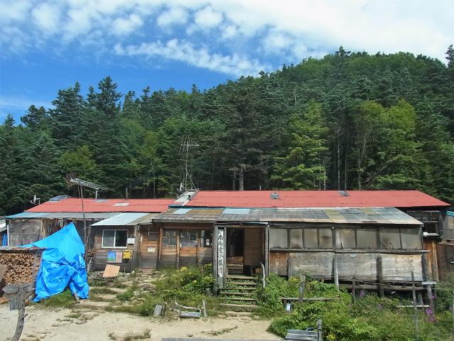 鳳凰三山(夜叉神峠~砂払岳)登山口コースガイド 南御室小屋【登山口ナビ】