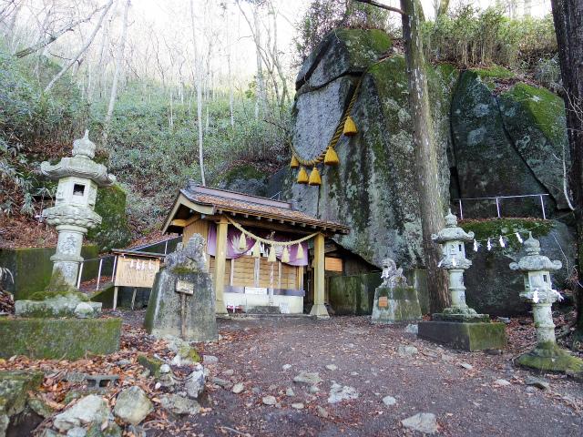 石割山(石割神社) 登山口コースガイド 石割神社【登山口ナビ】