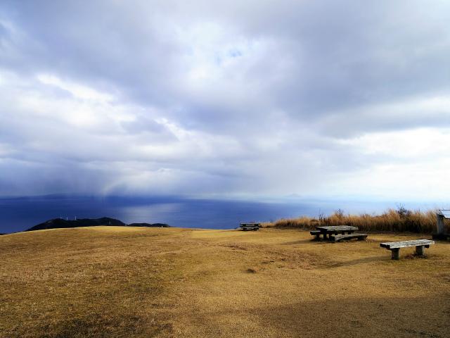 三筋山(天城三筋山遊歩道) 山頂ベンチ【登山口ナビ】