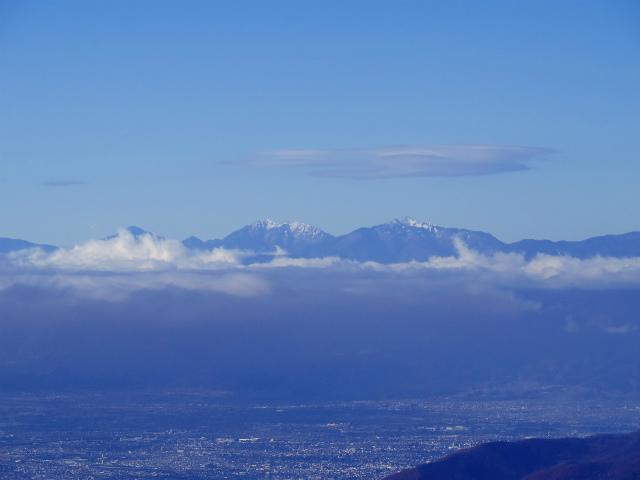 大菩薩嶺(富士見新道) 登山口コースガイド テラス上部から塩見岳・荒川岳の眺望【登山口ナビ】