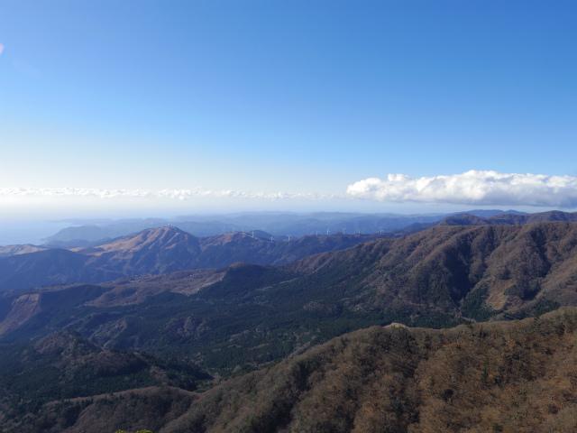 天城山(万二郎岳~万三郎岳周回)登山口コースガイド 万二郎岳山頂からの眺望【登山口ナビ】