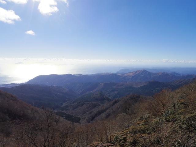 天城山(万二郎岳~万三郎岳周回)登山口コースガイド 馬の背からの東伊豆海岸線【登山口ナビ】