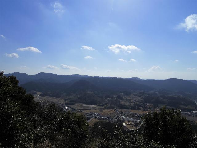 伊予ヶ岳(平群天神社コース) 登山口コースガイド 展望台からの御殿山の眺望【登山口ナビ】