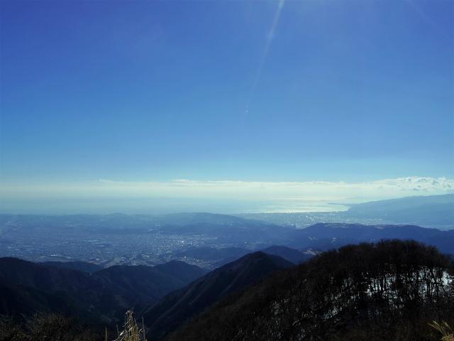 鍋割山(二俣~後沢乗越コース)コースガイド 鍋割山山頂からの相模湾【登山口ナビ】