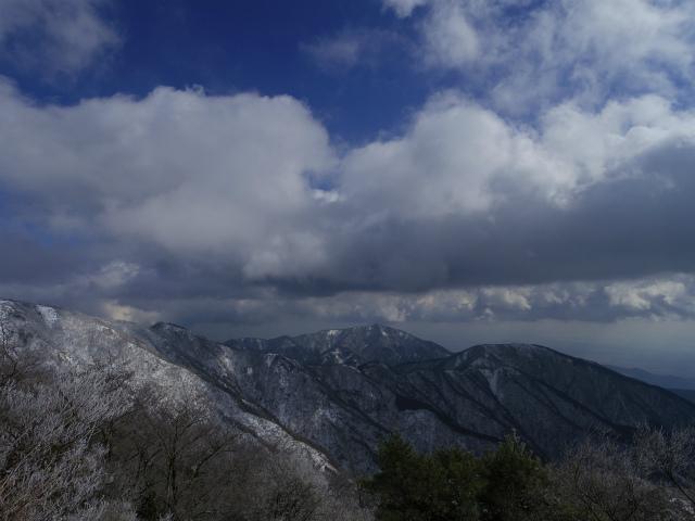 塔ノ岳(二俣~大倉尾根コース) 登山口コースガイド 花立からの大山・表尾根の眺望【登山口ナビ】