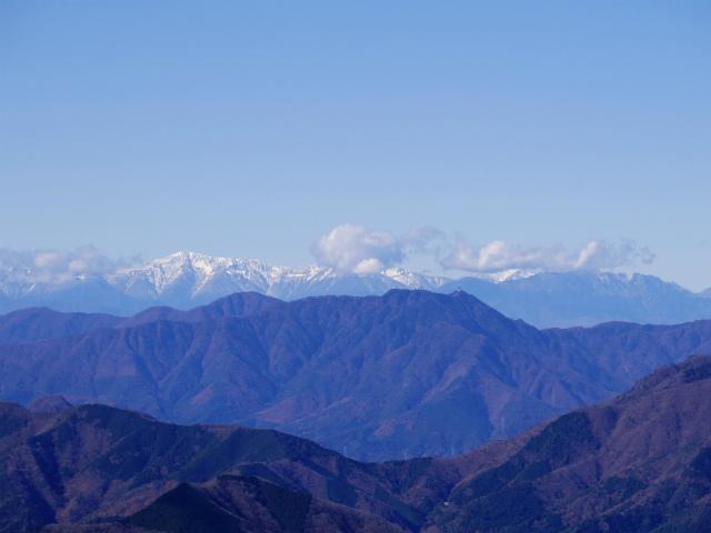 檜洞丸(日陰沢~犬越路コース) 登山口コースガイド 山頂西側から白根三山の眺望【登山口ナビ】