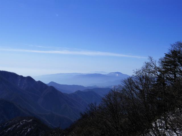 大室山(日陰沢新道コース) 登山口コースガイド 県界尾根からの箱根の眺望【登山口ナビ】