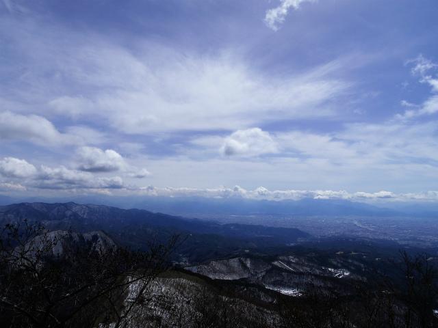 茅ヶ岳(深田記念公園~女岩コース) 登山口コースガイド 山頂直下から甲府盆地と富士山の展望【登山口ナビ】