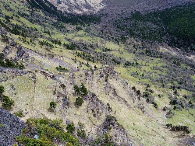 黒斑山(表コース・中コース) 登山口コースガイド トーミの頭山頂からの湯ノ平高原【登山口ナビ】