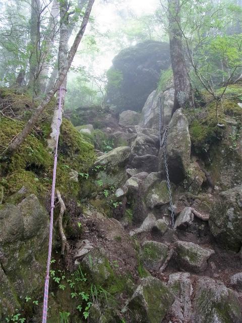 甲斐駒ヶ岳(黒戸尾根)登山口コースガイド 鎖とロープ【登山口ナビ】