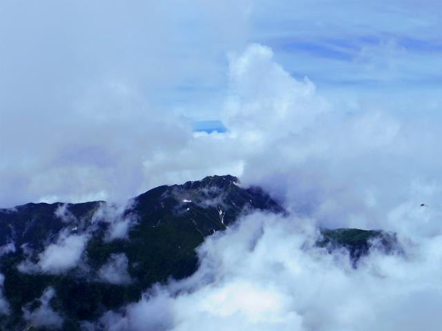 甲斐駒ヶ岳(黒戸尾根)登山口コースガイド 山頂からの仙丈ケ岳【登山口ナビ】