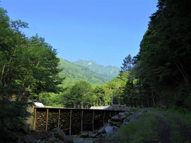 八ヶ岳・赤岳(天狗尾根) 登山口コースガイド 地獄谷からの権現岳【登山口ナビ】