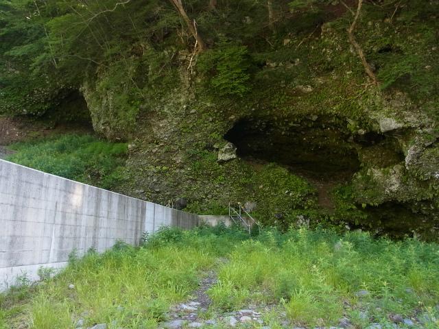 八ヶ岳・赤岳(天狗尾根) 登山口コースガイド 地獄谷の堰堤の階段【登山口ナビ】
