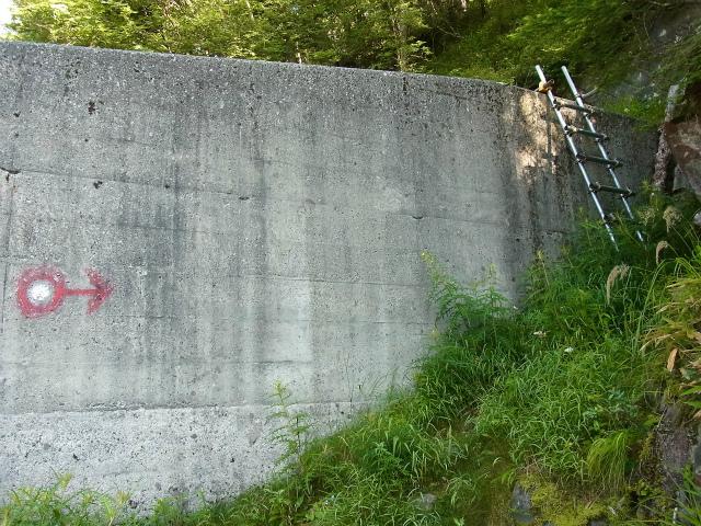 八ヶ岳・赤岳(天狗尾根) 登山口コースガイド 堰堤【登山口ナビ】