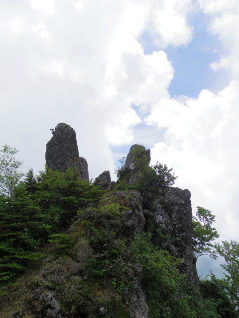 八ヶ岳・赤岳(天狗尾根) 登山口コースガイド カニのハサミ岩からの眺望【登山口ナビ】