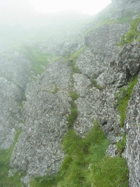 八ヶ岳・赤岳(天狗尾根) 登山口コースガイド P2峰ルンゼ【登山口ナビ】