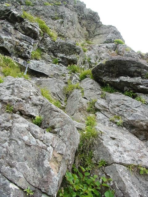 八ヶ岳・赤岳(天狗尾根) 登山口コースガイド 大天狗巻き道の残置スリング【登山口ナビ】