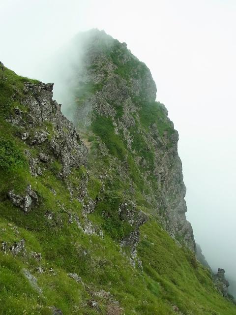 八ヶ岳・赤岳(天狗尾根) 登山口コースガイド 大天狗西面の絶壁【登山口ナビ】