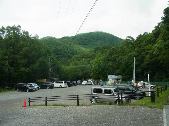 日向山(尾白川渓谷~矢立石)登山口コースガイド 駐車場【登山口ナビ】