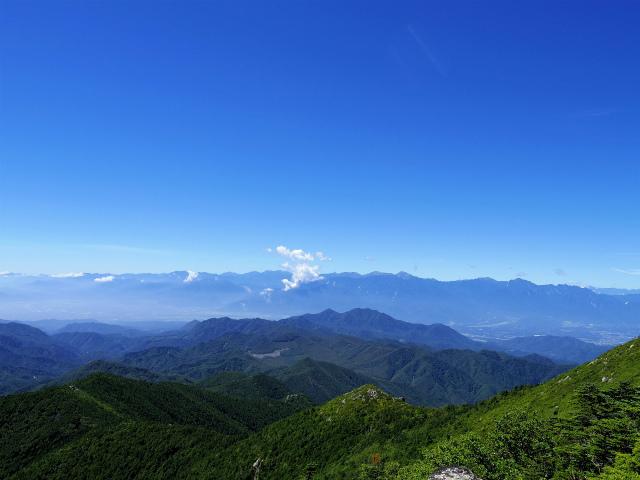 金峰山・五丈石(アコウ平~表参道)登山口コースガイド 山頂直下からの南アルプスの眺望【登山口ナビ】