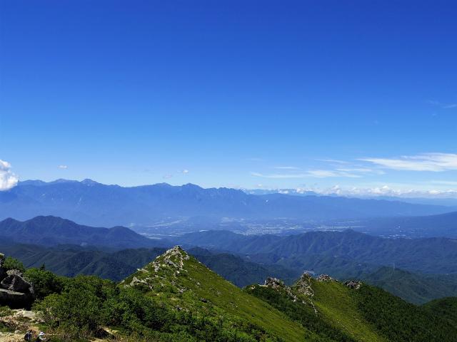 金峰山・五丈石(アコウ平~表参道)登山口コースガイド 金峰山山頂からの南アルプス【登山口ナビ】
