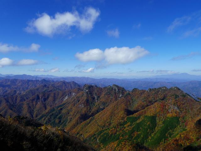 両神山(日向大谷・表参道ルート) 登山口コースガイド 両神山山頂から八ヶ岳・北アルプス・浅間山の眺望【登山口ナビ】