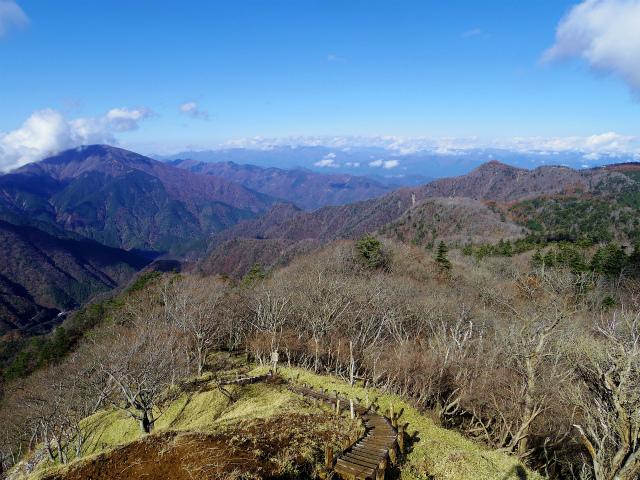 蛭ヶ岳(榛ノ木丸~姫次)コースガイド 展望地【登山口ナビ】