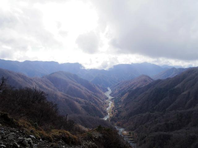 蛭ヶ岳(源蔵尾根~臼ヶ岳)登山口コースガイド 鍋割山稜の眺め【登山口ナビ】